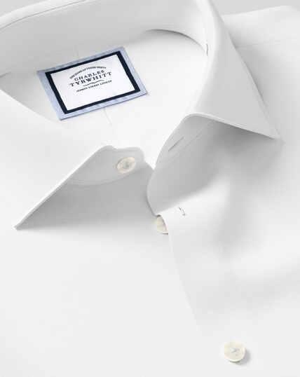 Geschmeidig smartes Hemd mit Business-Casual-Kragen - Weiß