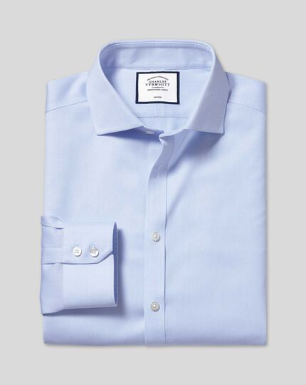 Bügelfreies Hemd aus Stretch-Baumwolle mit Haifischkragen - Himmelblau