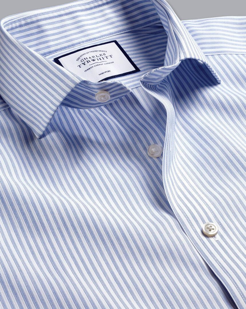 Bügelfreies Hemd aus Stretch-Baumwolle mit Haifischkragen und Streifen - Blau