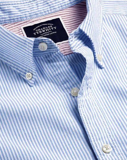 Vorgewaschenes Oxfordhemd mit Button-down-Kragen und Streifen - Ozeanblau