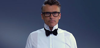 How to tie a bow tie step 5