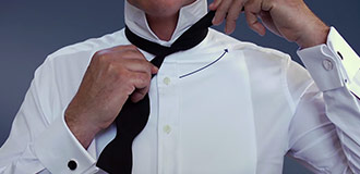 How to tie a bow tie step 2
